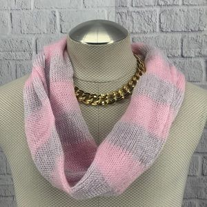 LP NWT Infinity Pink Gray Scarf AE0605